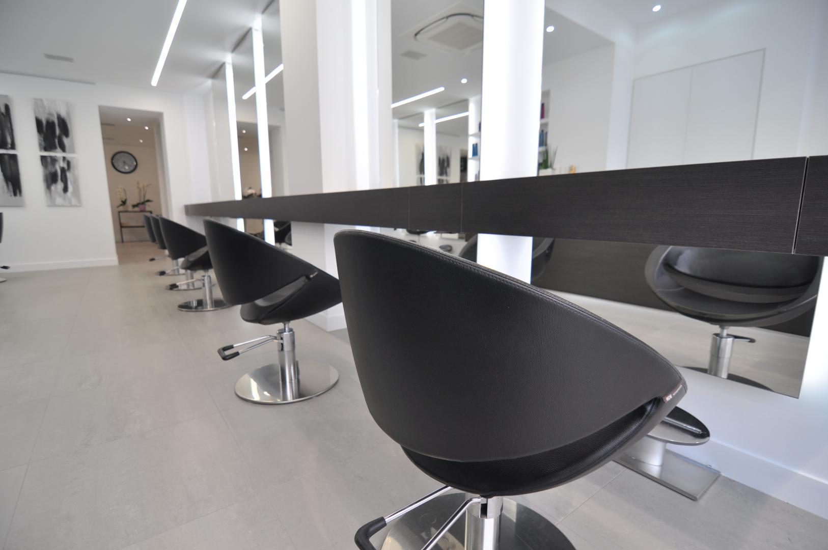 Interieur Kaptafel Styling : Kapsalon haaridee jacobs interieur bree