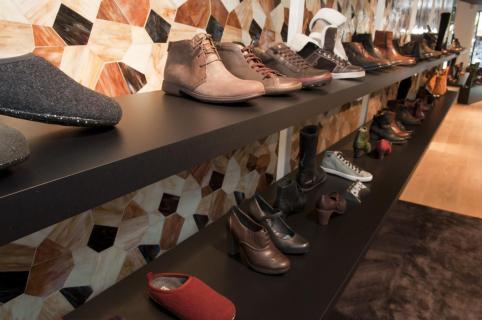 Leggers hout schoenen